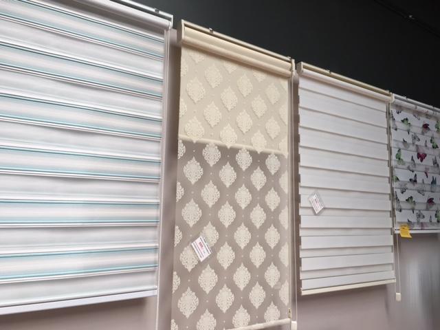 Skræddersyede zebra rulle gardiner